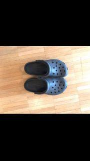 Crocs schwarz