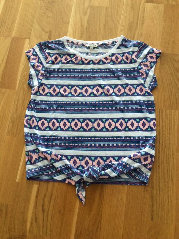T-Shirt von Review for teens
