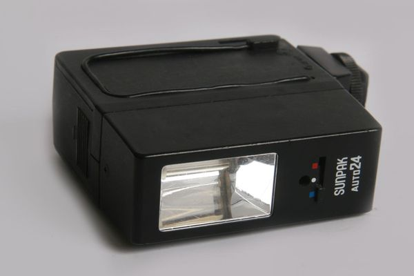 Sunpak Auto 24 Aufsteckblitz Blitzgerät