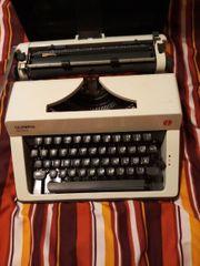 eine funktionsfähige Schreibmaschine von Olympia
