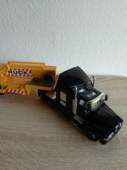 LKW mit KRAN Heavy Crane