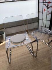 4 Stühle freischwebend