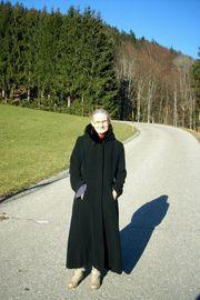 Damen-Wintermantel mit Kapuze