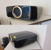 JVC DLA-X7000 Beamer