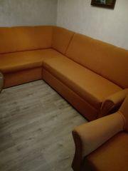 Eckschlafsofa mit Bettkasten und Sessel