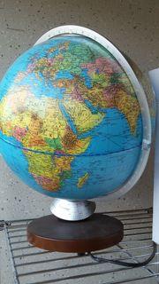 Globus mit Innenbeleuchtung
