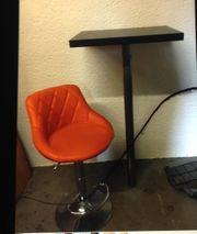Stehtisch und Sessel beides höhenverstellbar