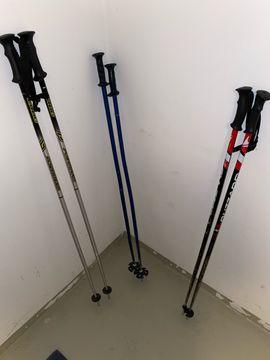 Diverse Skistöcke