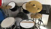 Schlagzeug abzugeben