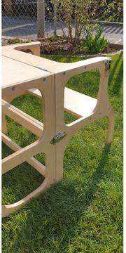 Der Helferturm -Tisch Step n-sit