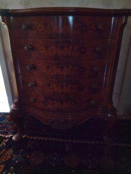 Sonstige Möbel antiquarisch - Kommode mit Intarsien Stilmöbel