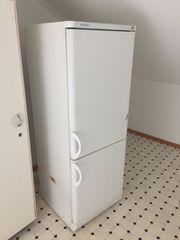 Kühl- und Gefrierschrank an Selbstabholer