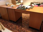 Schreibtisch mit Anstelltisch aus Holz