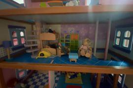 Holzspielzeug - Puppenhaus aus Holz