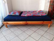 Vollholz Bett