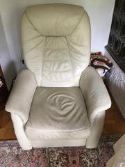 Elektrischer Sessel mit Aufstehhilfe beige