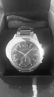 Neue Armani Exchange Hybrid-Smartwatch AXT1006