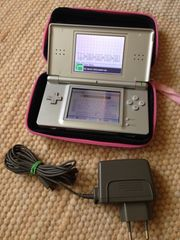 Nintendo DS silver Tasche Ladegerät -