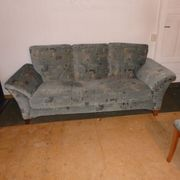 Solides Sofa in ordentlichem Zustand