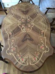 Esszimmer-Tisch mit Furnier-Einlegearbeiten