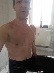 Escortboy Erotikdarsteller Underwater BDSM mit