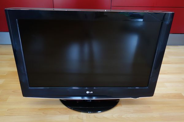 LG LCD TV Fernseher 32