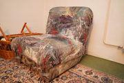 Gemütlicher ausziehbarer Sessel