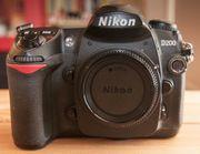 Nikon D200 mit Objektiven Blitz