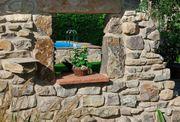 Sansteinenmauer Natursteinmauer und Garten