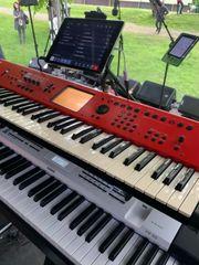 Keyboarder für Party Band Frei
