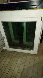 Holzfenster mit Rollo 107 cm