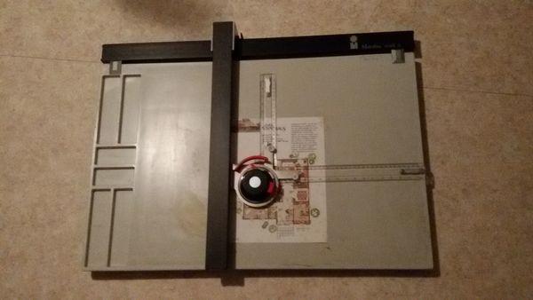 Zeichentisch Zeichenplatte mit Laufwagen-Zeichenmaschine Marabu