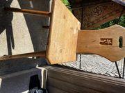 Holzstuhl mit Edelweiss