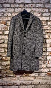 Schöner Mantel von ZARA MAN