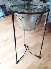 Vase mit Metallständer