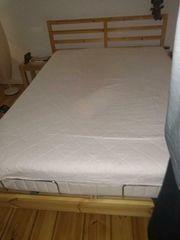 Verkaufe geflegtes Bett aus Holz
