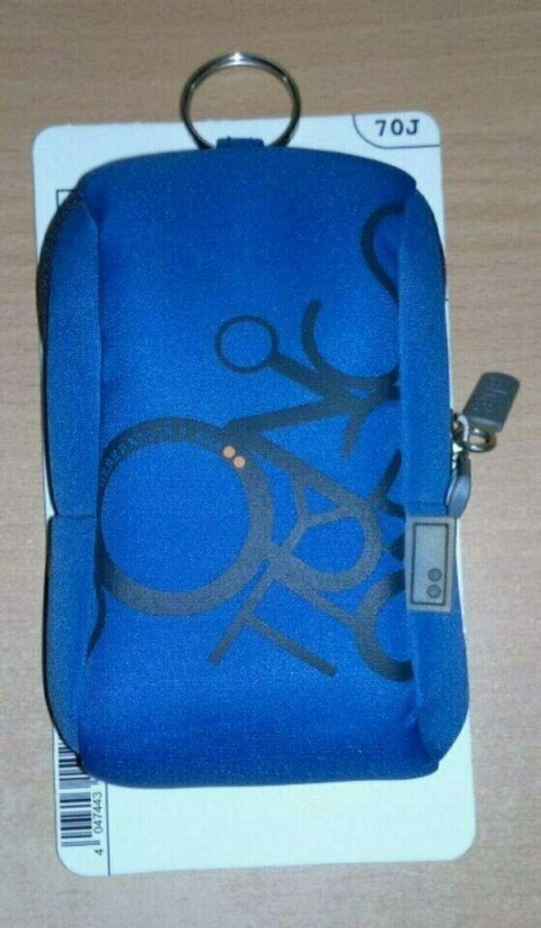 Fototasche Neu (nur bis 26. 10. ) - Nürnberg Wetzendorf - Ich biete hier eine Fototasche an. Marke: Aha (Hama), Farbe: Blau, Maße: 7,5 x 3,5 x 11,5 cm. Die Fototasche ist Neu, wurde nie verwendet, lag in der Schublade rum, zum verstauben zu Schade! Sie ist auch für Handys geeignet. Neupr - Nürnberg Wetzendorf