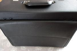 Pilotenkoffer Aktenkoffer schwarz 43 cm: Kleinanzeigen aus Bornheim - Rubrik Taschen, Koffer, Accessoires