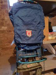 großer Trekking Rucksack mit Alugestell