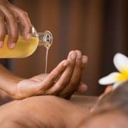 Wellnessmassage für die gestresste Frau