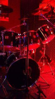 Yamaha Schlagzeug mit viel Zubehör