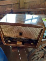 Alter Radio und ein alter