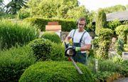 Gärtner Gartenhelfen Gartenarbeit