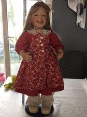 Leman Puppe Zapf-Puppe mit Rüschchen-Kragen