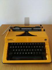 Reise- Schreibmaschine Olympia Monica de