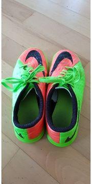 Nike Hallenfussballschuhe Grösse 35