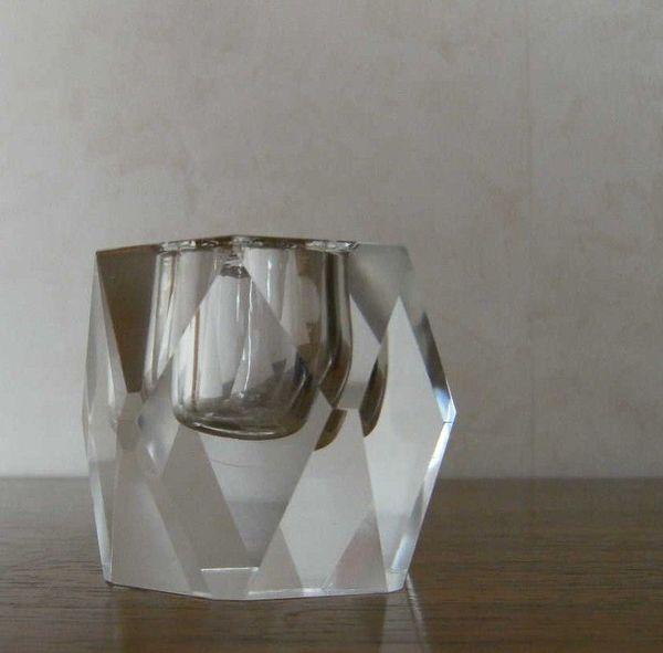 Schwerer Kerzenhalter aus Kristallglas
