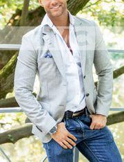 Der sehr attraktive Callboy Steffen