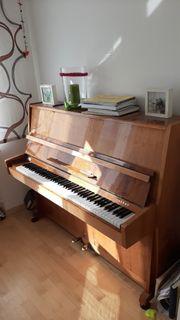 Cherny Klavier zum Reparieren
