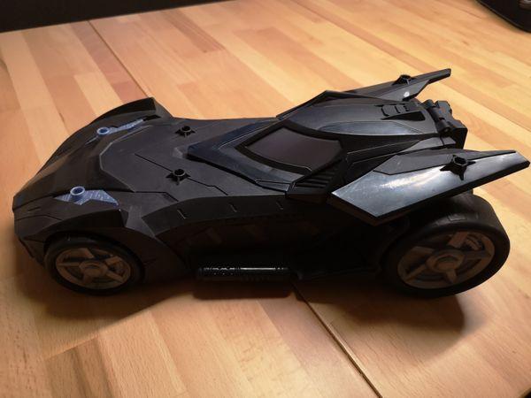 Batman Auto mit 2 Kanonen